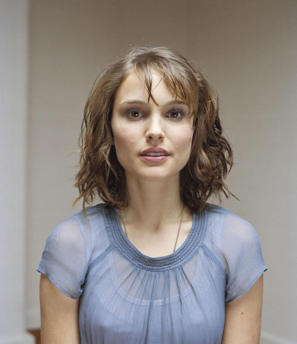 http://st-im.kinopoisk.ru/im/kadr/1/1/9/kinopoisk.ru-Natalie-Portman-1198094.jpg