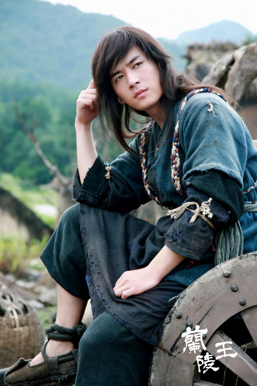 http://st-im.kinopoisk.ru/im/kadr/2/3/3/kinopoisk.ru-Lan-Ling-Wang-2339138.jpg