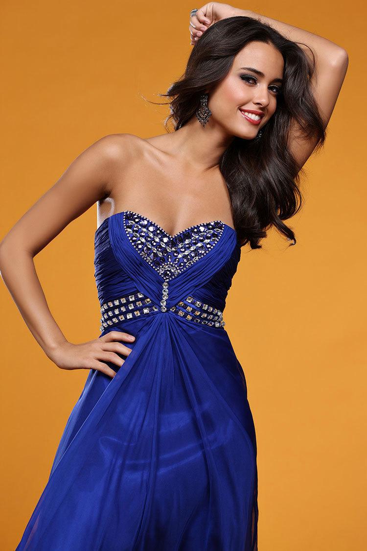 красивые эскизы платьев