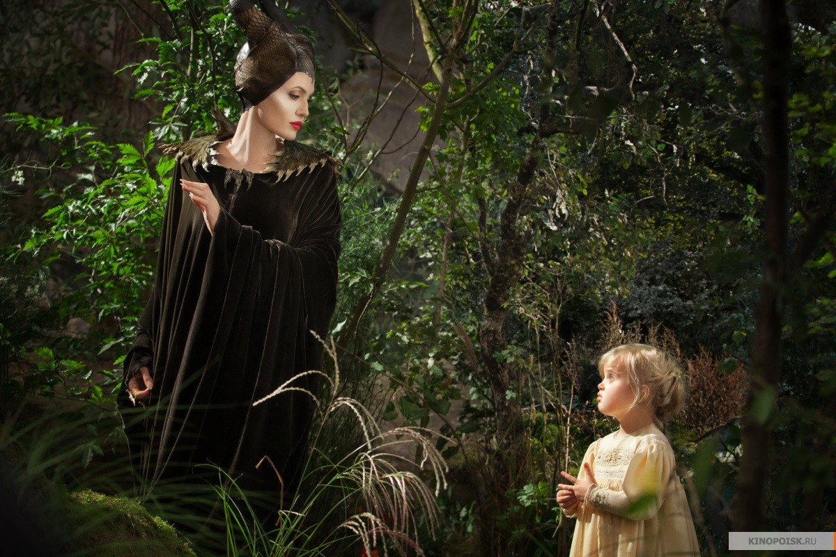 http://st-im.kinopoisk.ru/im/kadr/2/3/6/kinopoisk.ru-Maleficent-2365900.jpg