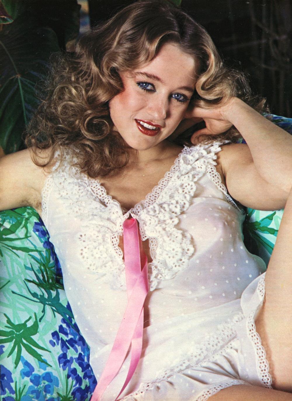 Голая порно звезда Элеонора Джорджи смотреть онлайн 1 фото
