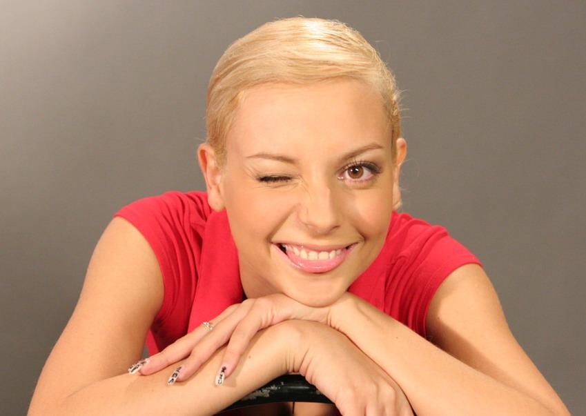Света Букина, она же Дарья Сагалова стала очень популярна благодаря