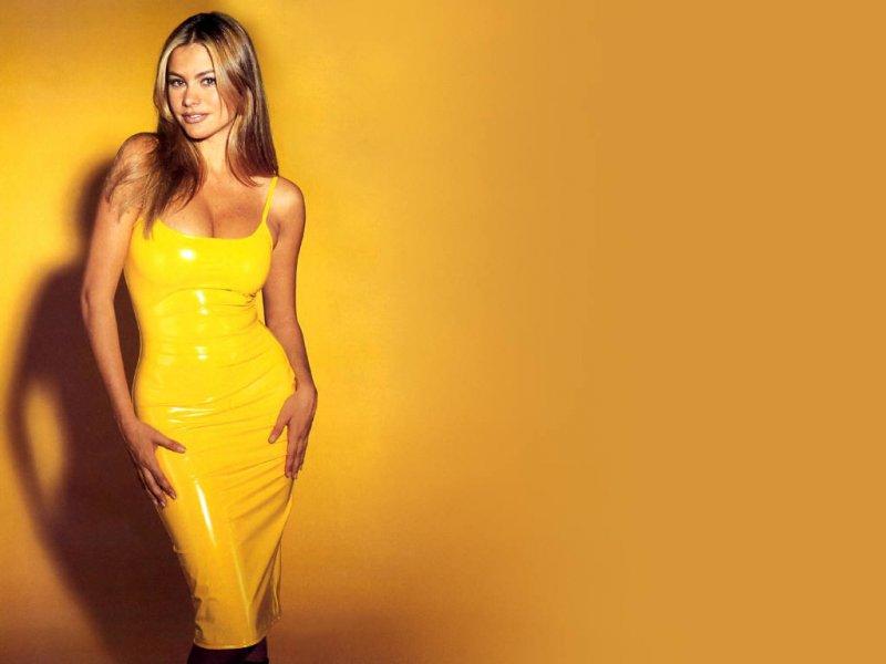 Фото с девушками в желтом