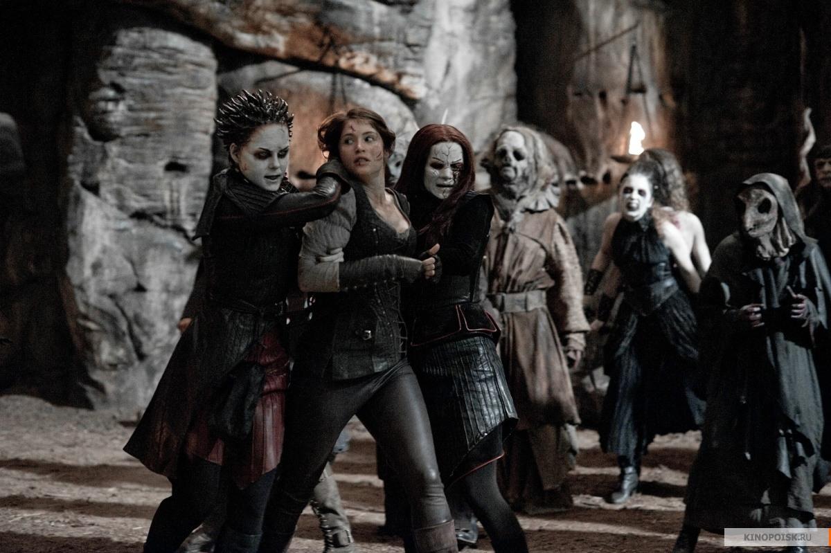 http://st-im.kinopoisk.ru/im/kadr/2/0/7/kinopoisk.ru-Hansel-_26_2338_3B-Gretel_3A-Witch-Hunters-2072015.jpg