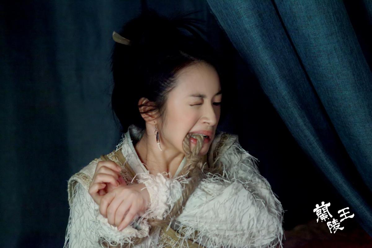 http://st-im.kinopoisk.ru/im/kadr/2/3/4/kinopoisk.ru-Lan-Ling-Wang-2340922.jpg