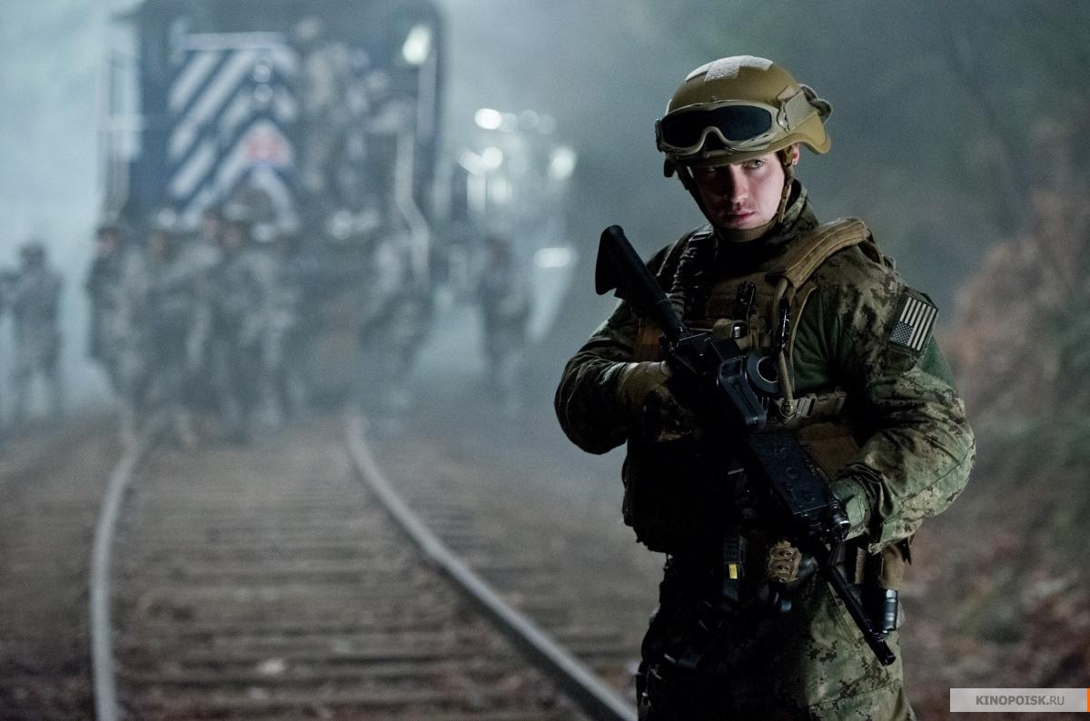 http://st-im.kinopoisk.ru/im/kadr/2/3/9/kinopoisk.ru-Godzilla-2399909.jpg